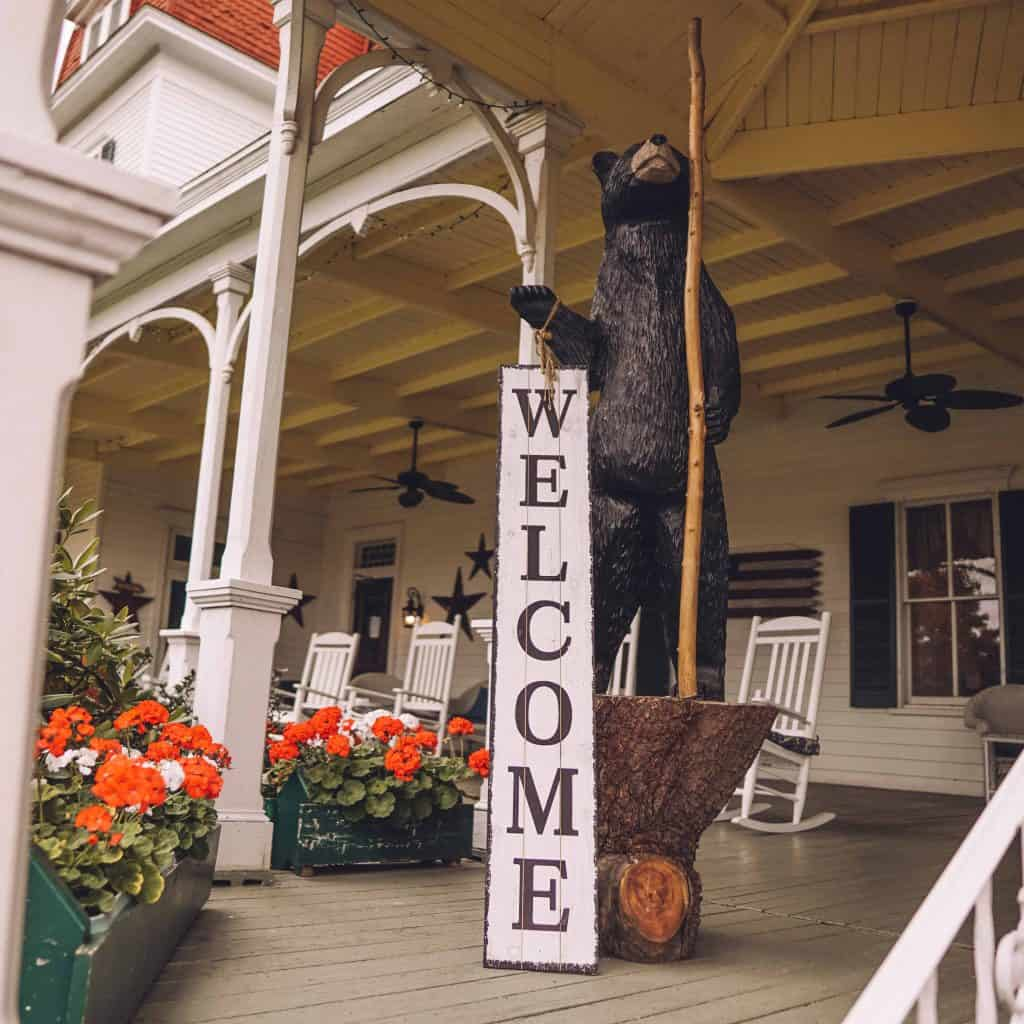 Welcome sign for Winter Clove Inn resort