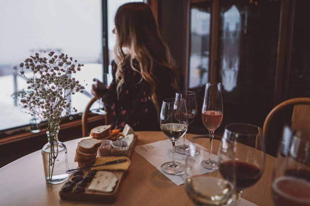 watching snow during wine tasting