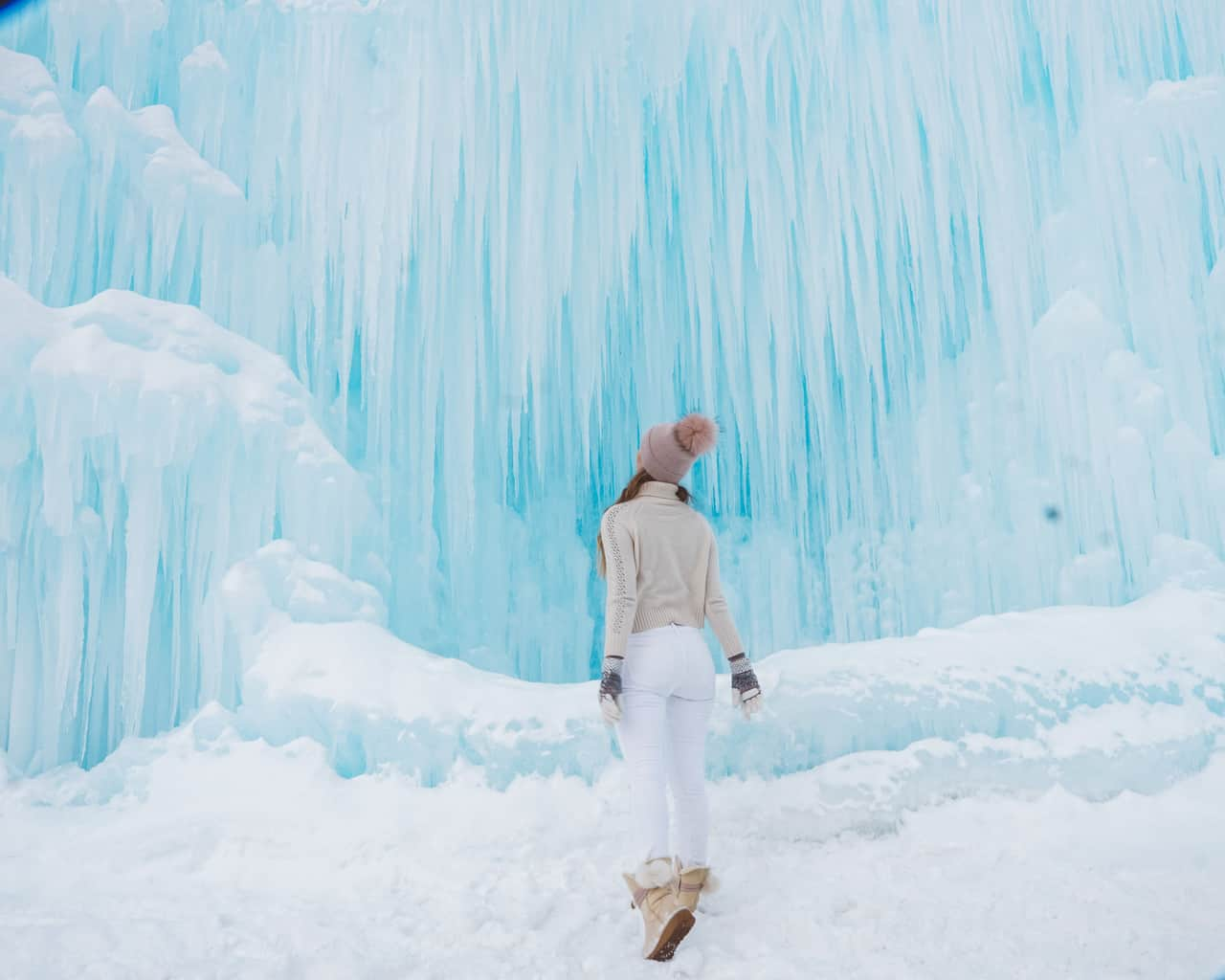girl looking at the ice walls